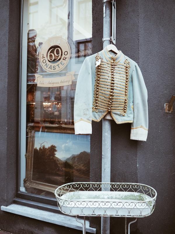 T Koetshuish Antweerp vintage store