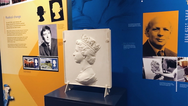Original plaster cast of The queen's head at The Postal Museum London 2017