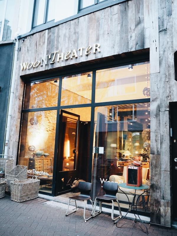 WOON THEATER vintage furniture in Antwerp