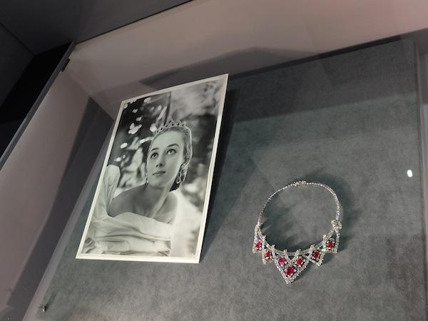 16 Cartier-Style-and-history-tiara-necklace-transformer-Elizabeth-Taylor-ruby-diamond
