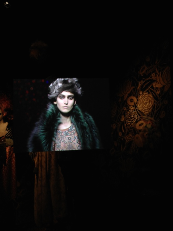 19 Dries-Van-Noten-Inspirations-exhibition-disneyrollergirl-Aw2003-4