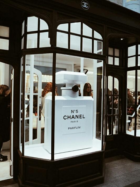 2 Chanel-Burlington-arcade-beauty-boutique-disneyrollergirl