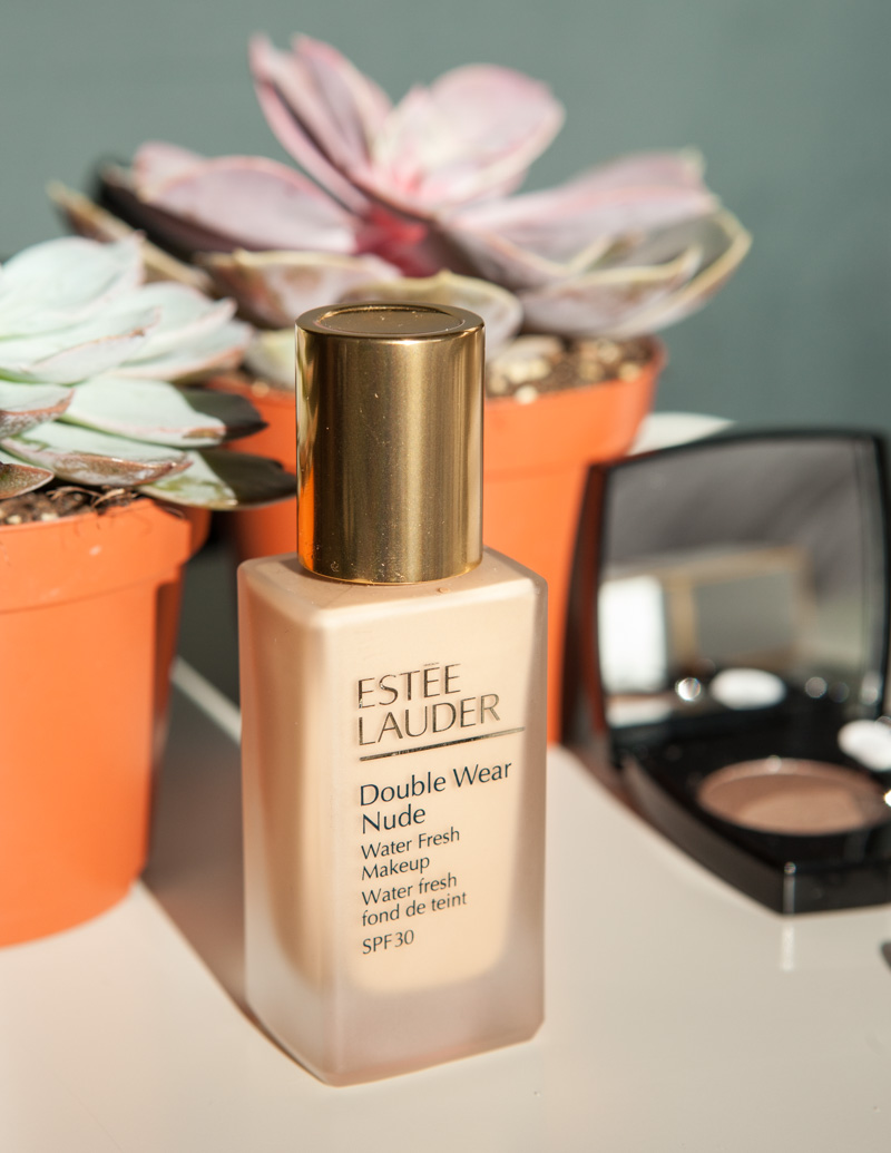 How to choose the best foundation. Estee Lauder Double Wear Nude foundation by Emma Miranda Moore for Disneyrollergirl