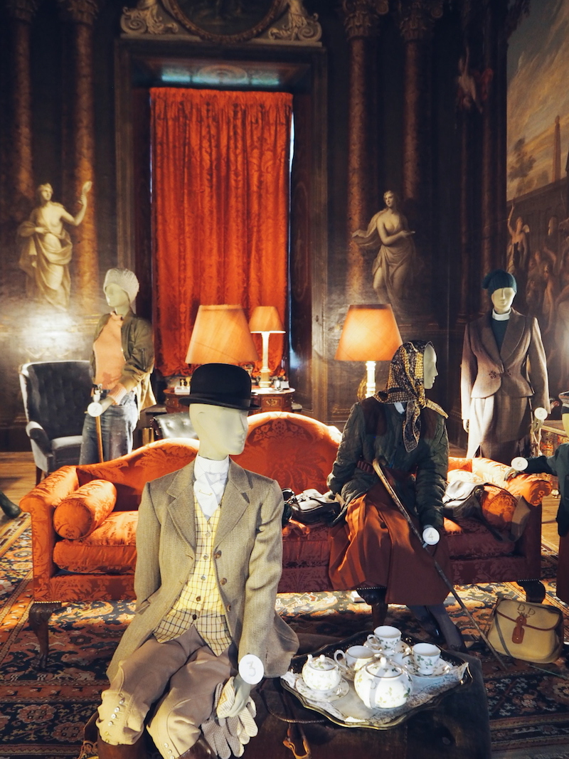 Chatsworth House House Style hunting display