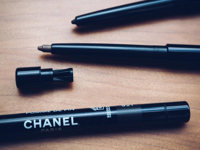4 Chanel aw15 makeup long lasting eyeliner with in built sharpener.jpg