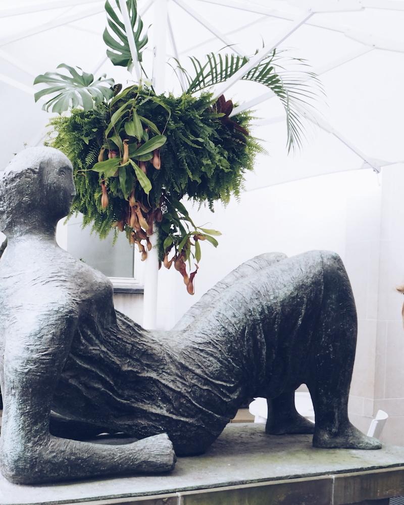 Hermes Bond street Henry Moore sculpture