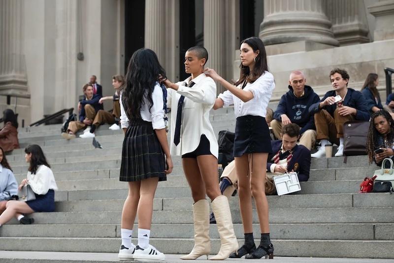 Gossip Girl mini skirt trend
