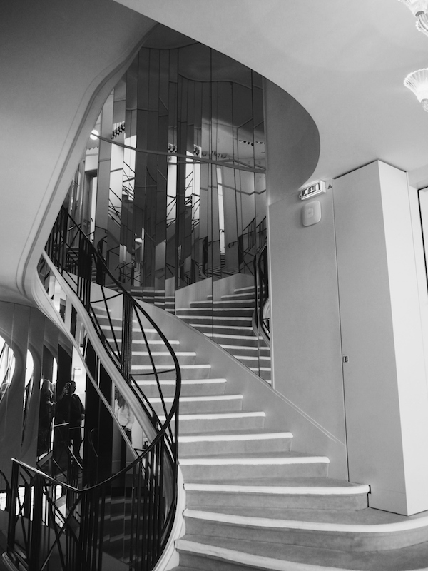 mirrored deco staircase to the chanel apartment Rue Cambon