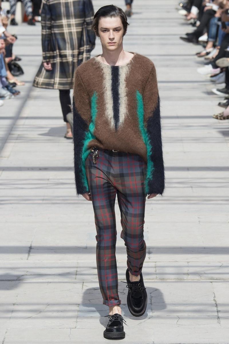 Louis Vuitton menswear ss17 Vogue Runway