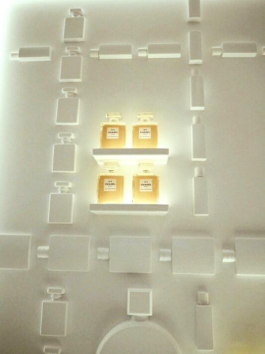 7 Chanel-Burlington-arcade-beauty-boutique-disneyrollergirl