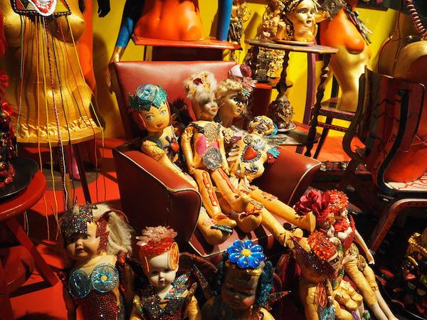 8 Selfridges-Bright-Old-Things-Sue-Kreitzman-Window .JPG