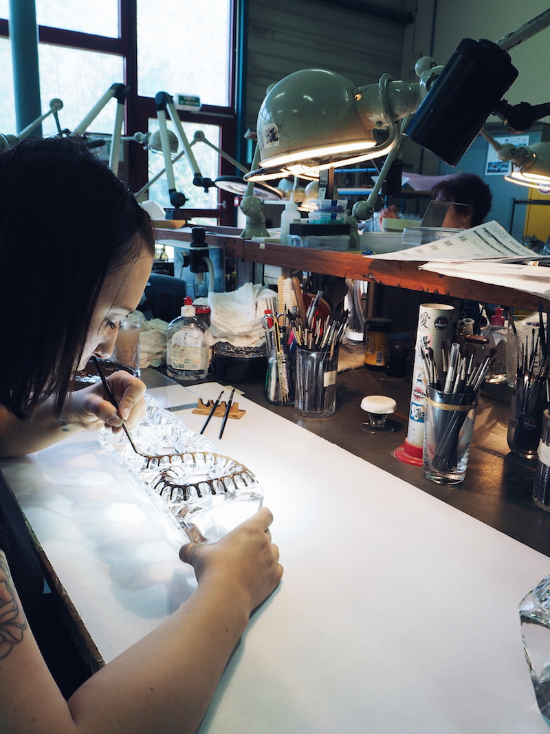 An artisan using the protection technique at the Lalique factory