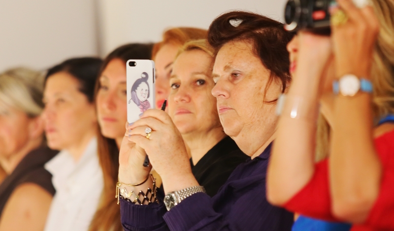 Are smart phones kiling fashion shows