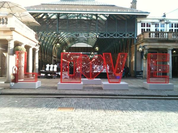 BHF-love-installations