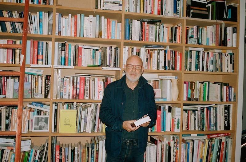 Brian Eno, Apartamento