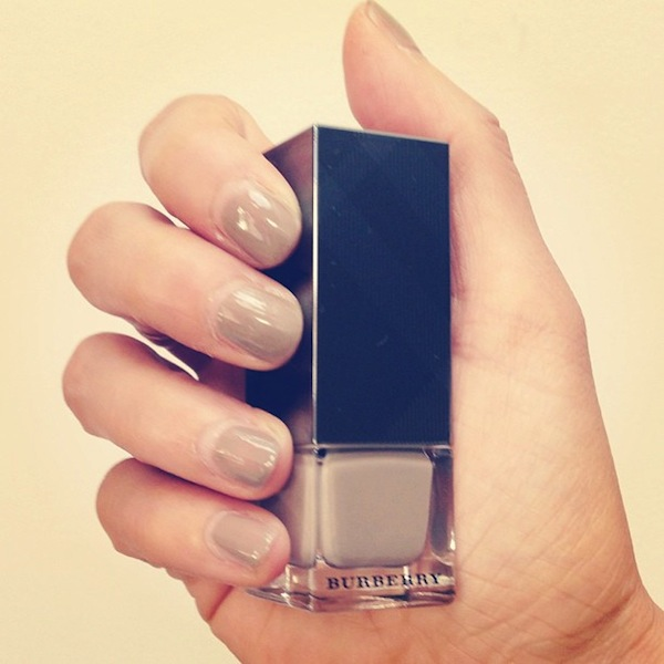 Burberry-ss14-nails-Mink