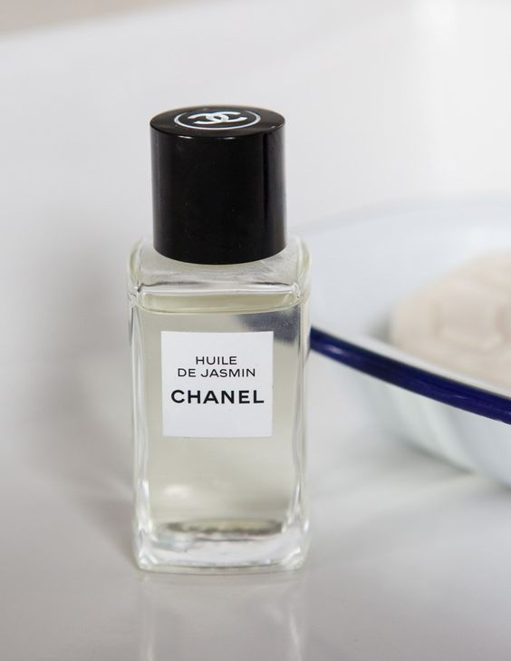 Chanel Huile de Jasmin Revitalising Oil