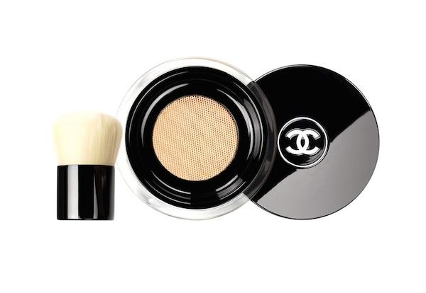 Chanel Vitalumiere Loose Powder Foundation and kabuki brush 2