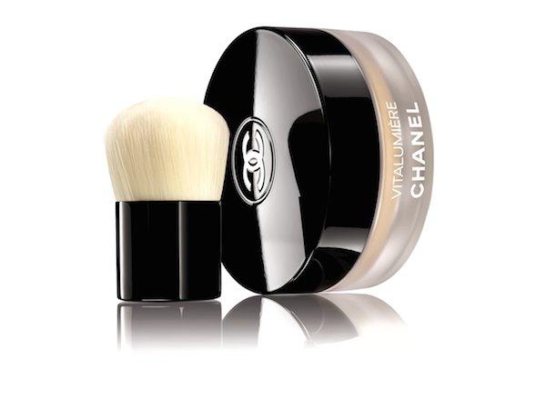 Chanel Vitalumiere Loose Powder Foundation and kabuki brush