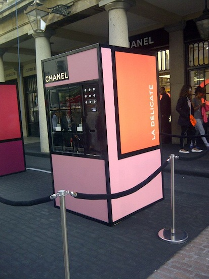 Chanel-beauty-vending-machine