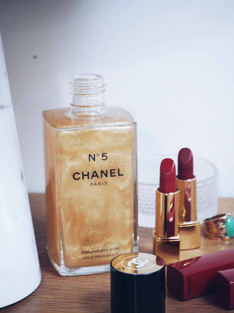 Chanel no 5 Fragments D'Or a shimmering gel scented with Chanel no 5