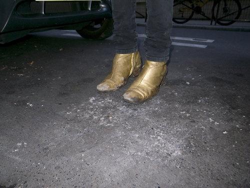 Dior-Hommes-gold-boots-Hedi-Slimane 3