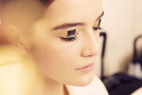 Dior-Pre-Fall-2015-makeup-Tokyo-peter-phillip-Vogue-Taylor-Jewell