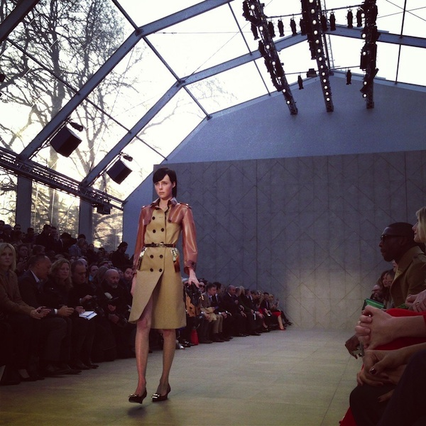 Edie-Campbell-Burberry-LFW-AW13