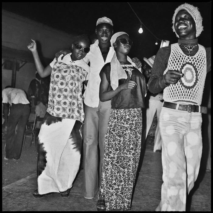 Fête au Volta dancing, by anle Sory, 1982