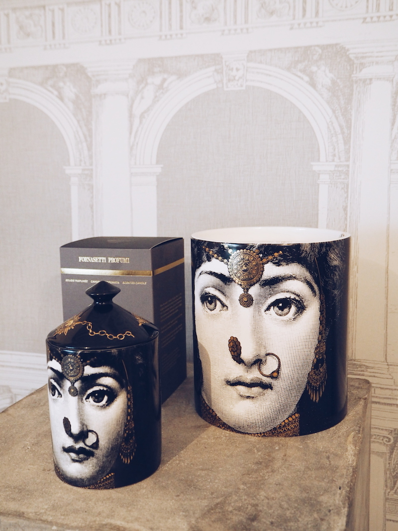 Fornasetti scented candle L'Eclaireuse in Mistero a woody spicy fragrance
