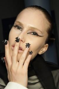 Hannah-warner-nail-jewellery-kabiri-2