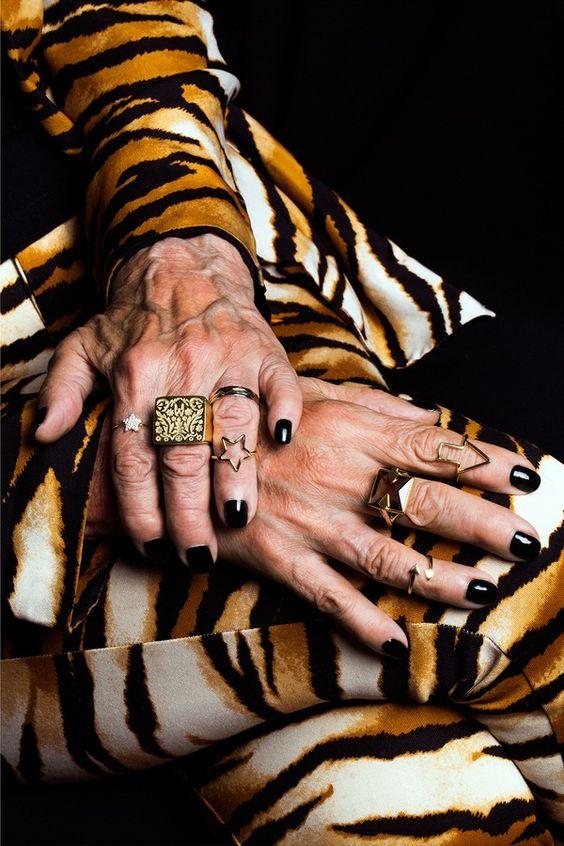 Karen Walker hands Advanced Style Ari Seth Cohen 3