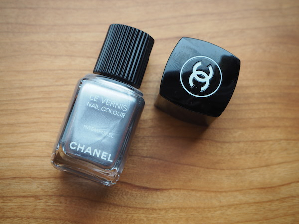 Les Intemporels de Chanel limited nail colour