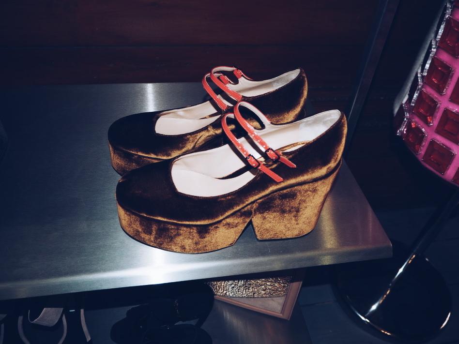 Mary Katrantzou velvet Mary Jane round toe shoes aw15