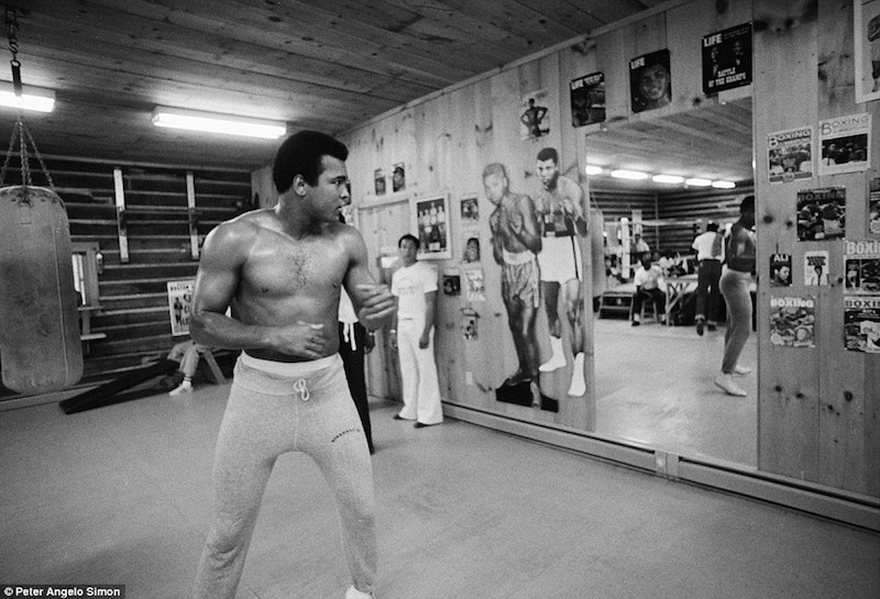 Muhammad Ali by Peter Angelo Simon from the book Fighter's Heaven