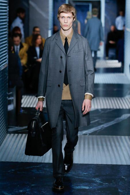 Prada-menswear-womenswear-Aw15  5