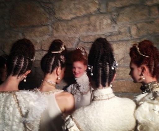 Sam-McKnight-Chanel-Métiers-d'Art-Linlithgow-Palace2