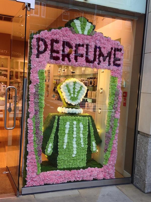 Space -Nk-flower-perfume-bottles