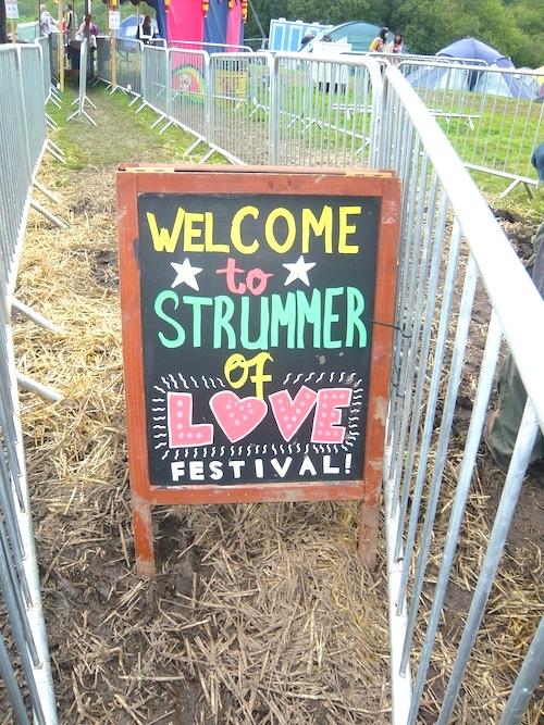 Strummer-of-Love 1