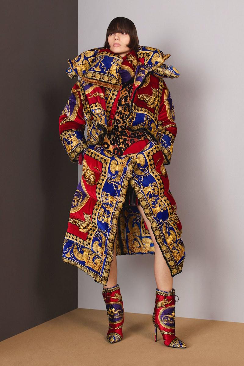 Versace Pre Fall 18 duvet coat
