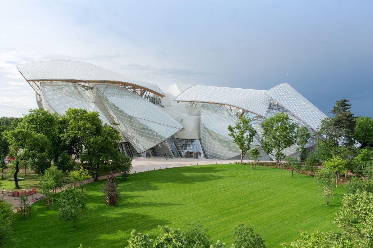 louis vuitton foundation paris designed by frank Gehry