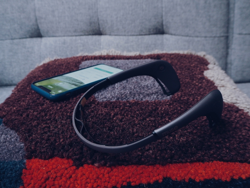 Muse 2 meditation device and app to train the mind to focus