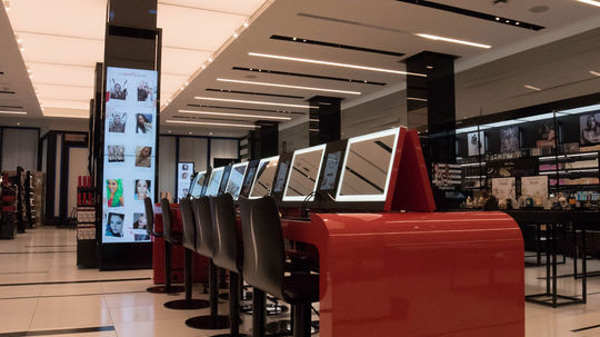 sephora launches Teach, Inspire, Play conceptb tore stations to San Francisco store